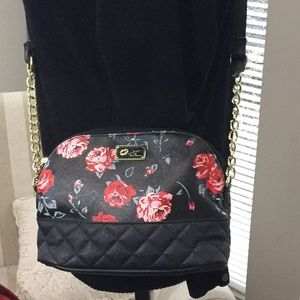 Betsey Johnson crossbody bag. Quilted bottom.